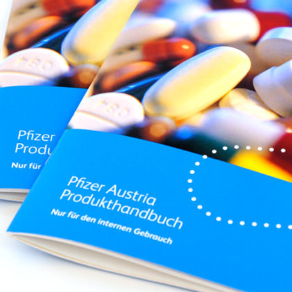 Pfizer Folder Broschüre Graphic Design C21